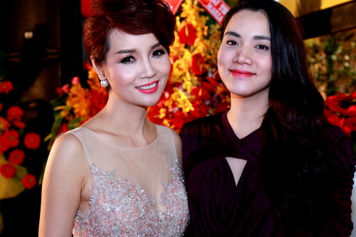 Trang Nhung khoe bụng bầu 7 tháng bên Mai Thu Huyền-7