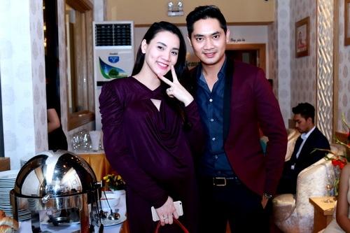Trang Nhung khoe bụng bầu 7 tháng bên Mai Thu Huyền-9