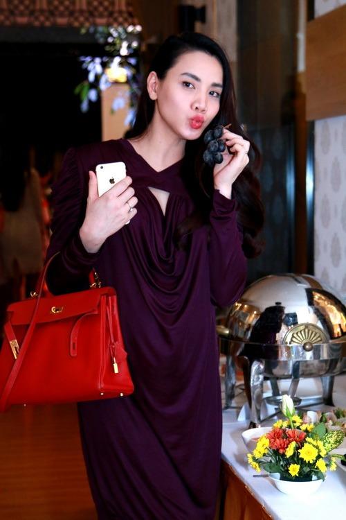 Trang Nhung khoe bụng bầu 7 tháng bên Mai Thu Huyền-10