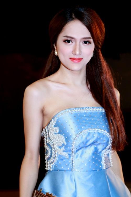 Trang Nhung khoe bụng bầu 7 tháng bên Mai Thu Huyền-13