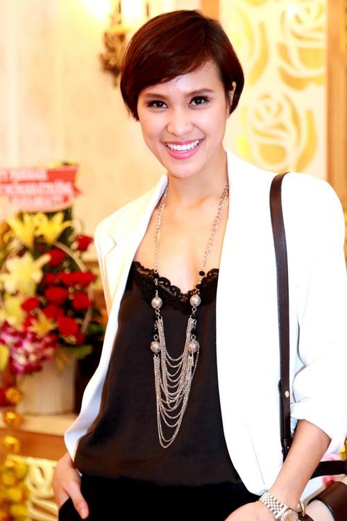 Trang Nhung khoe bụng bầu 7 tháng bên Mai Thu Huyền-15