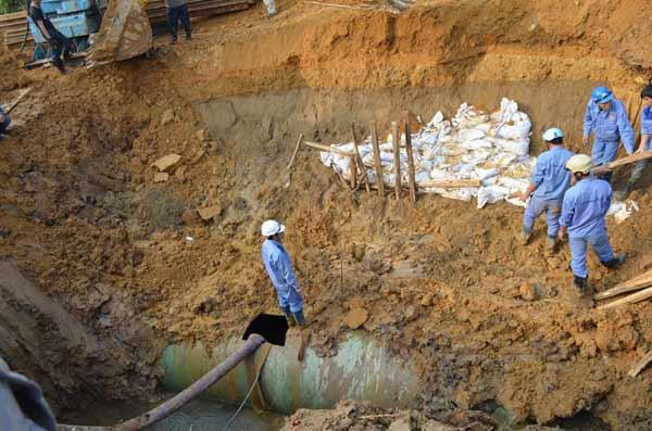 Lần thứ 10 vỡ đường ống: TGĐ Công ty nước sạch nói gì?-3