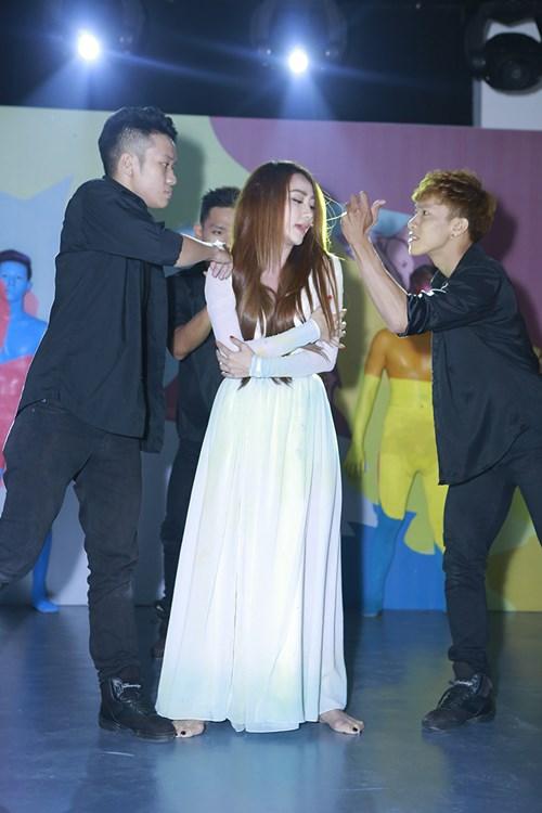 Ngân Khánh từ chối chia sẻ về đám cưới với chồng Việt kiều-5