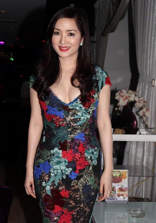 Giáng My: Hoa hậu chăm khoe vòng 1 nhất nhì showbiz-11
