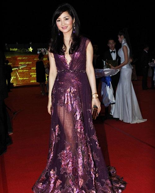 Giáng My: Hoa hậu chăm khoe vòng 1 nhất nhì showbiz-1
