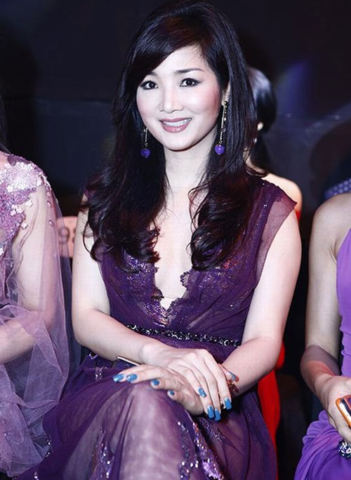 Giáng My: Hoa hậu chăm khoe vòng 1 nhất nhì showbiz-2