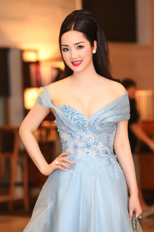 Giáng My: Hoa hậu chăm khoe vòng 1 nhất nhì showbiz-6