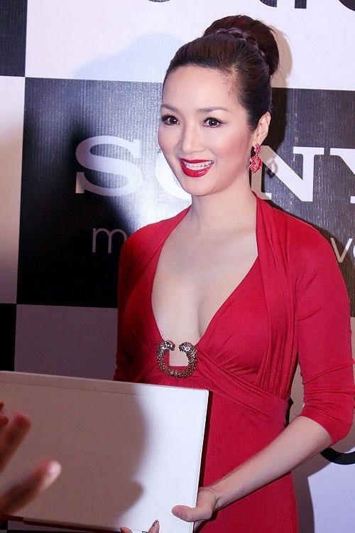 Giáng My: Hoa hậu chăm khoe vòng 1 nhất nhì showbiz-13