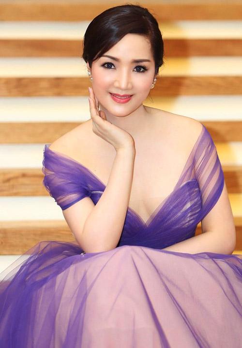Giáng My: Hoa hậu chăm khoe vòng 1 nhất nhì showbiz-7