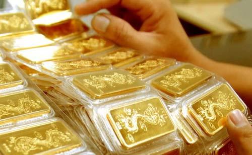 Giá vàng bất ngờ nhảy vọt - 1