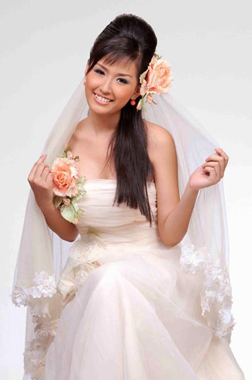 Mai Phương Thúy làm cô dâu gợi cảm dù chưa kết hôn-1