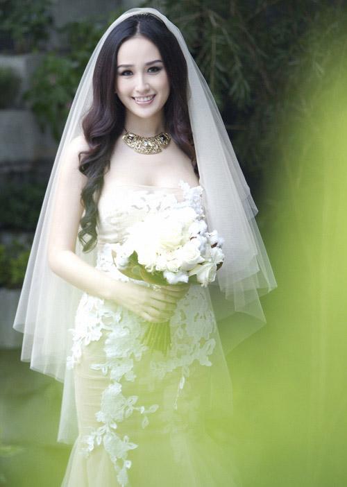 Mai Phương Thúy làm cô dâu gợi cảm dù chưa kết hôn-12