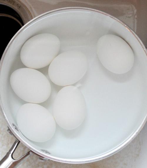 Cách luộc và bóc vỏ trứng hoàn hảo-6