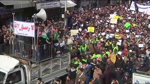 Biểu tình phản đối tạp chí Pháp bùng nổ khắp thế giới-8