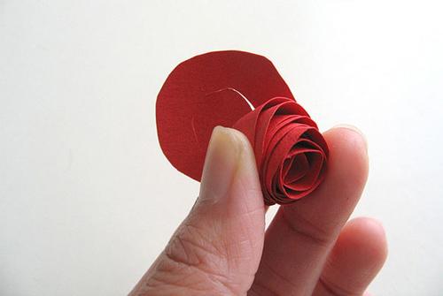 Rảnh tay 5 phút làm hoa giấy hút mắt cho bàn làm việc-3