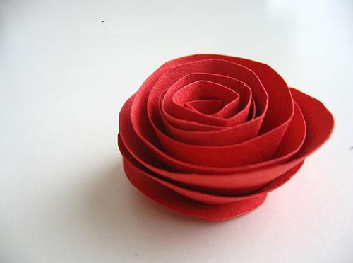 Rảnh tay 5 phút làm hoa giấy hút mắt cho bàn làm việc-5