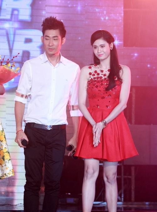 """Trương Quỳnh Anh lộ diện chớp nhoáng giữa """"bão hôn nhân""""-6"""
