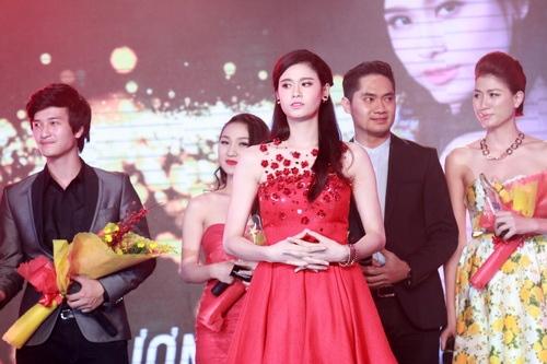 """Trương Quỳnh Anh lộ diện chớp nhoáng giữa """"bão hôn nhân""""-8"""