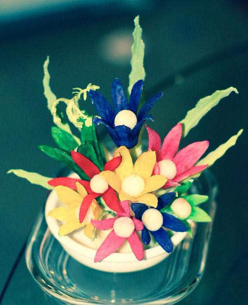 tia hoa tu cu cai xinh xan trang tri ban an - 11