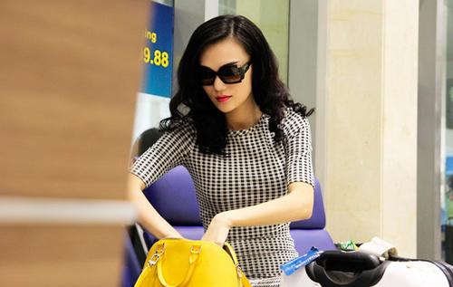 Cao Thùy Linh xinh đẹp ngỡ ngàng tại sân bay-8