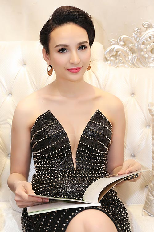 Mai Phương Thúy đẹp ngọt ngào đến chúc mừng Thanh Mai-18
