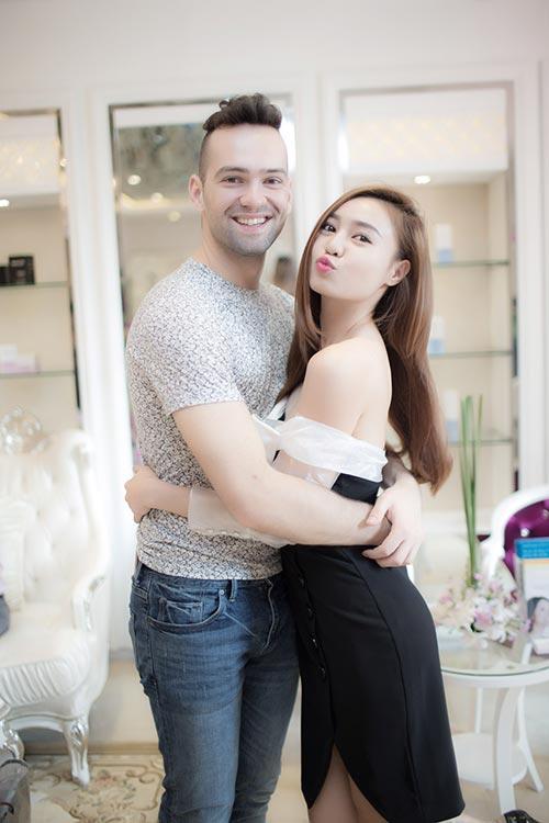 Mai Phương Thúy đẹp ngọt ngào đến chúc mừng Thanh Mai-15