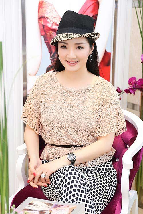 Mai Phương Thúy đẹp ngọt ngào đến chúc mừng Thanh Mai-12
