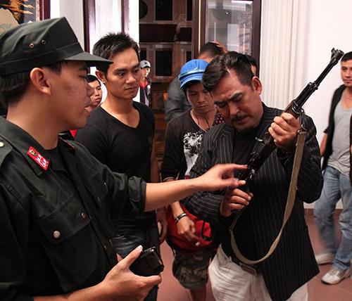 "ban nang thep se tro thanh ""bom tan"" tren truyen hinh? - 8"