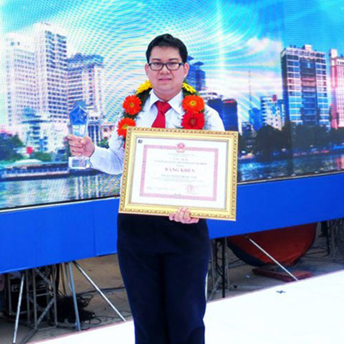 nhung ban tre co thanh tich khung ve ielts, toeic - 1