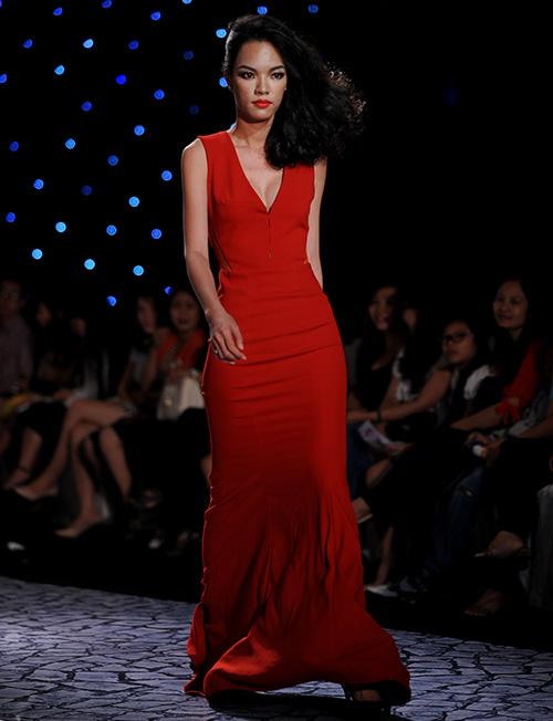 Váy dạ hội Việt đẹp và sang không kém hàng hiệu - 16