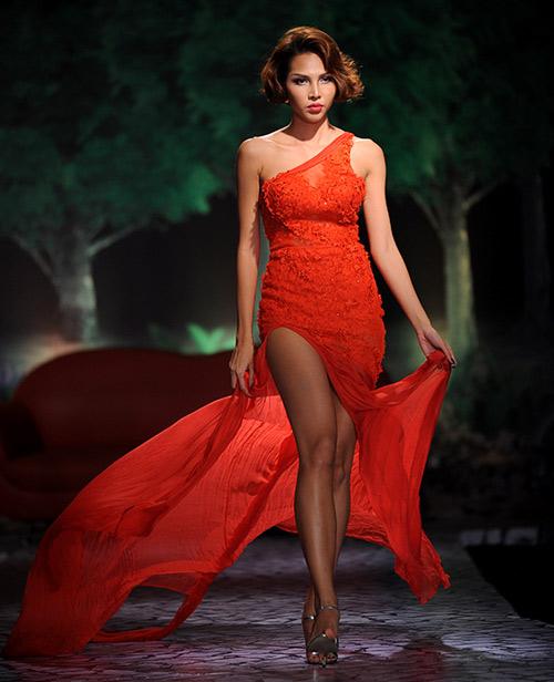 Váy dạ hội Việt đẹp và sang không kém hàng hiệu - 17