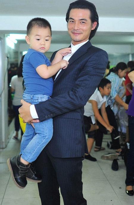 hot: le phuong tung chung co ngoc ngoan khong cap duong con - 4