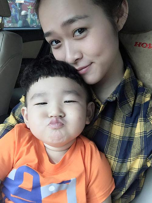 "hot girl diep bao ngoc ""do"" ve xi tin cung con trai - 3"