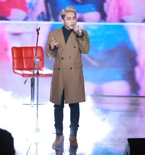 """the remix 2015"": son tung m-tp thua giong hat, thang tai nang - 1"