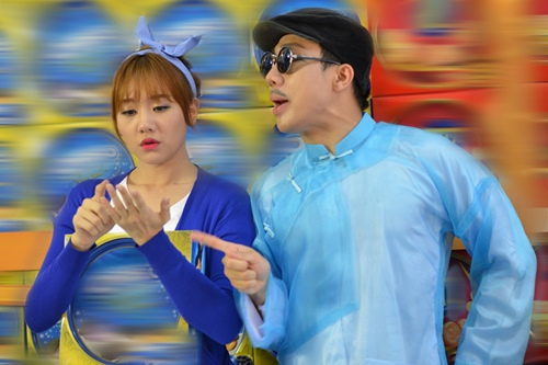 tran thanh dien ao dai tet nghich ngom ben hari won - 11