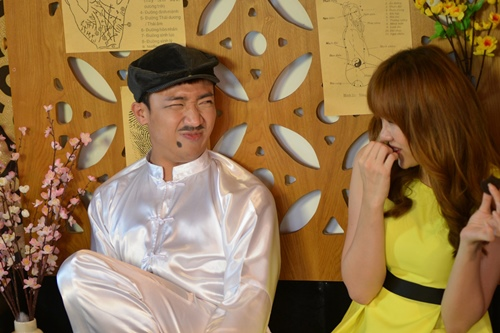 tran thanh dien ao dai tet nghich ngom ben hari won - 9