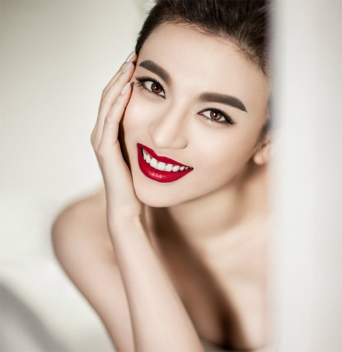 chi em phat 'sot' voi mieng dan tao mat v-line khong phau thuat - 4