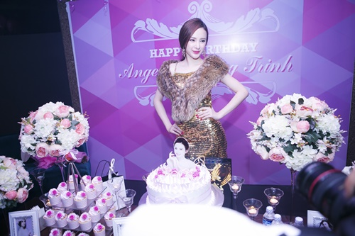 angela phuong trinh goi cam don sinh nhat tuoi 20 - 5