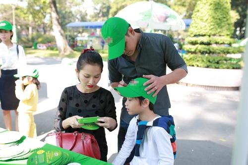 kim hien hanh phuc khoe bung bau 3 thang ben chong con - 15