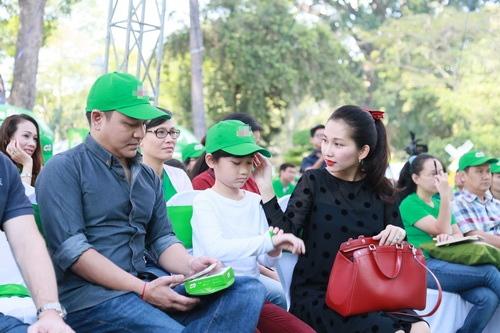 kim hien hanh phuc khoe bung bau 3 thang ben chong con - 16