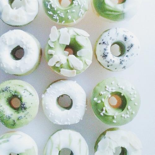 banh donut nuong nhieu mau dep mat - 12