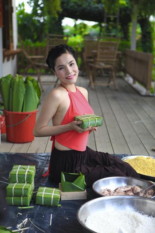 vo chong kiwi ngo mai trang tu tay goi banh chung - 3
