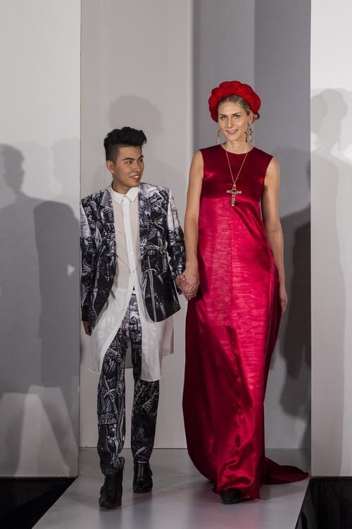 "ntk viet 9x bat ngo dau quan ve ""london fashion week"" - 2"