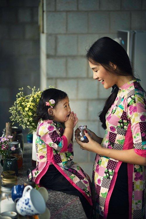"""ghen ti"" ngam con gai hh huong giang hon me - 14"