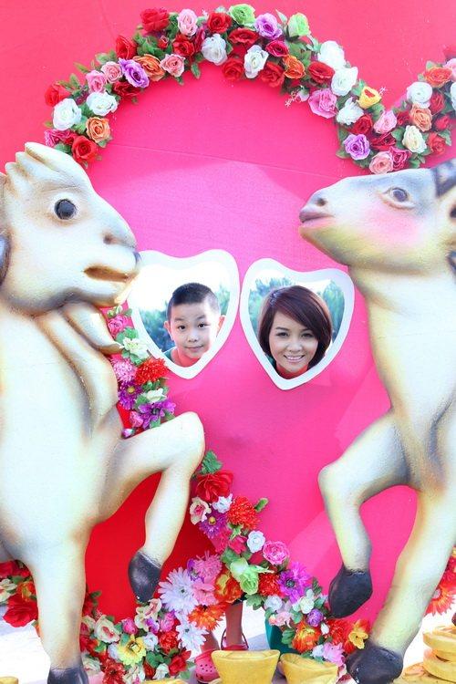 """mai thu huyen """"tron"""" chong dao pho xuan cung con - 6"""