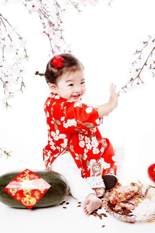 angela phuong trinh don tet cung gia dinh o long an - 4