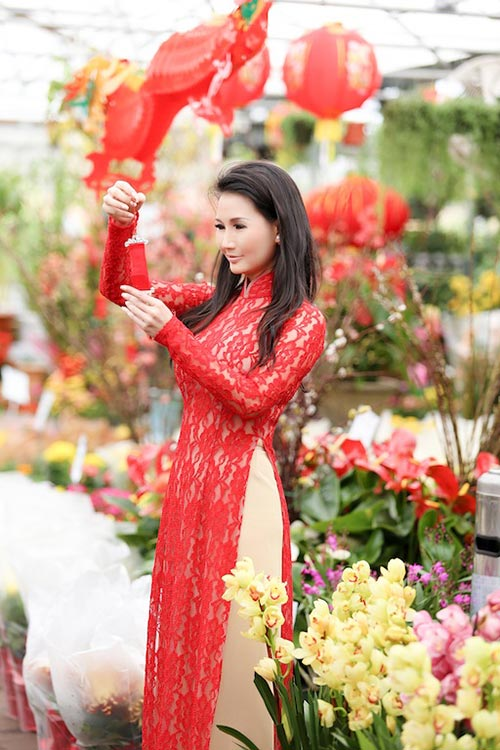 hh suong dang am long giua cho hoa tet tai my - 6