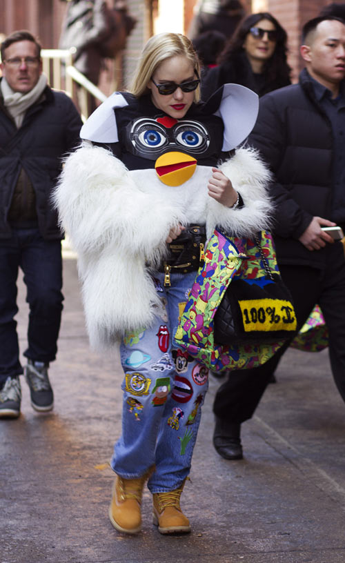 hoang thuy lot top 28 street style an tuong tai jeremy scott - 6