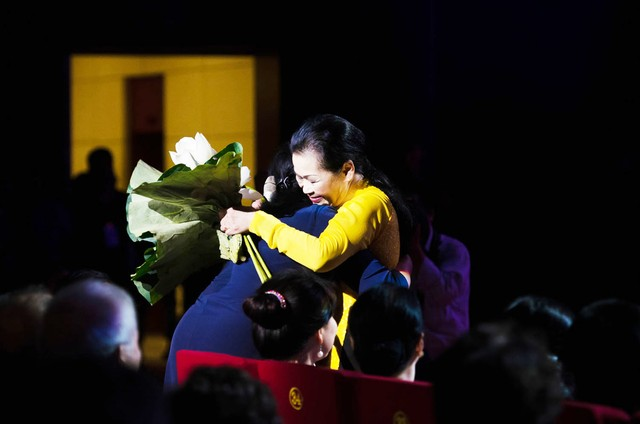 Nghệ sĩ Việt ở hải ngoại: Ra đi rồi sẽ trở về-1