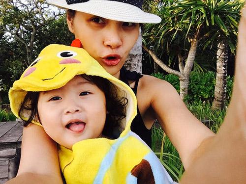 HH Hương Giang cùng chồng con đi du lịch Campuchia-1